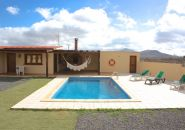 Stylish and modern holiday home with large pool en Valle Ortega